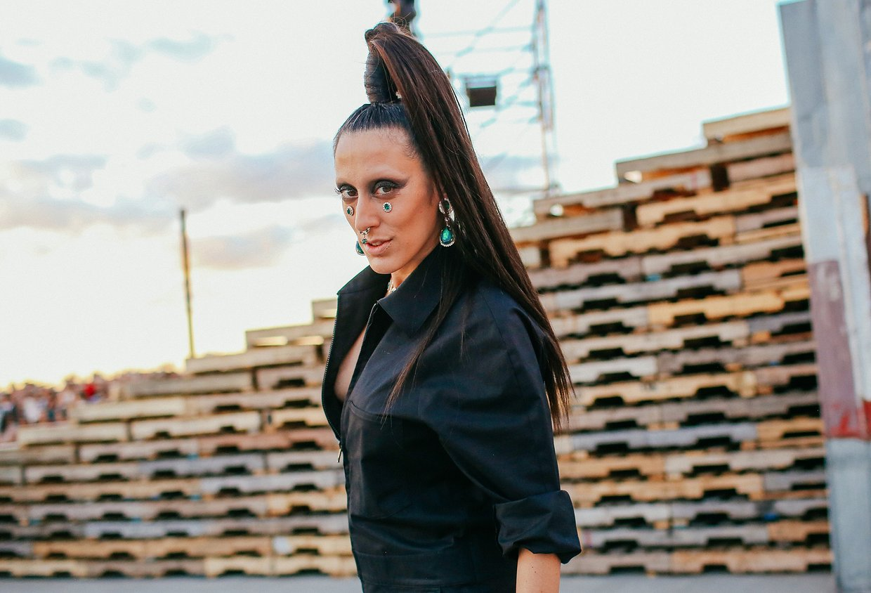 Ladyfag ise Givenchy markasını giymeyi tercih etmiş.