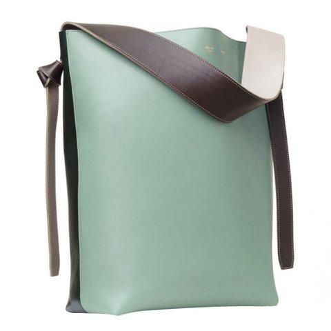 Céline açık yeşil ve kahverengi parlak ve yumuşak dana derisi çanta, $2,200, bilgi için:  celine.com