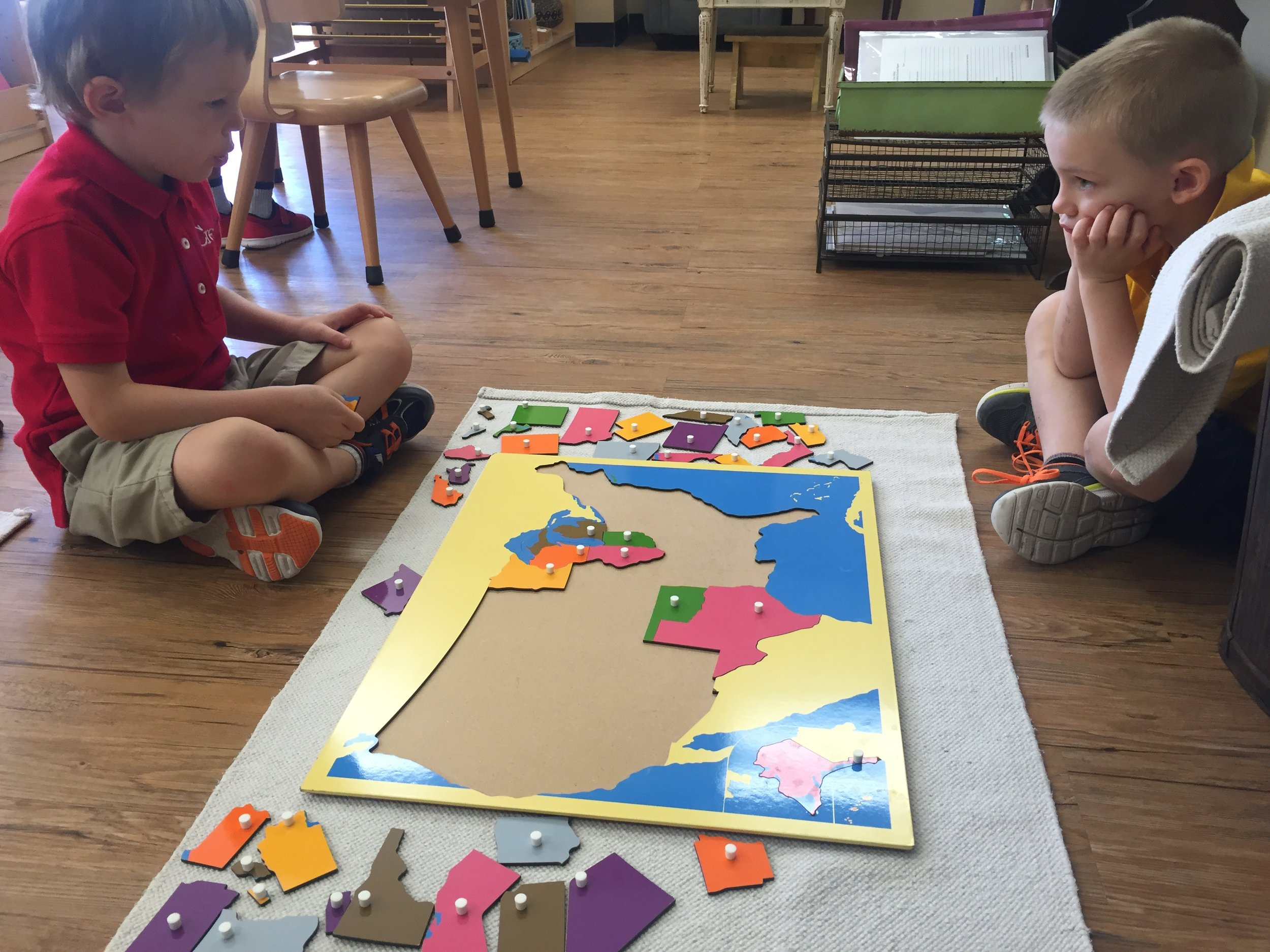 Puzzle Map of United States, learning the shape and location of each state.