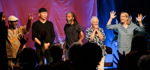 "Joey Blake, David Worm, Bobby McFerrin, Rhiannon, and Judi Vinar are ""Gimme5""    Photo by David Dzubinski"