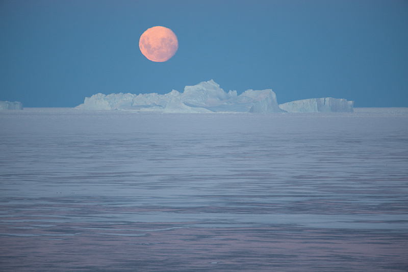 Moon on Ice. Photo:  StormPetrel1  Flickr