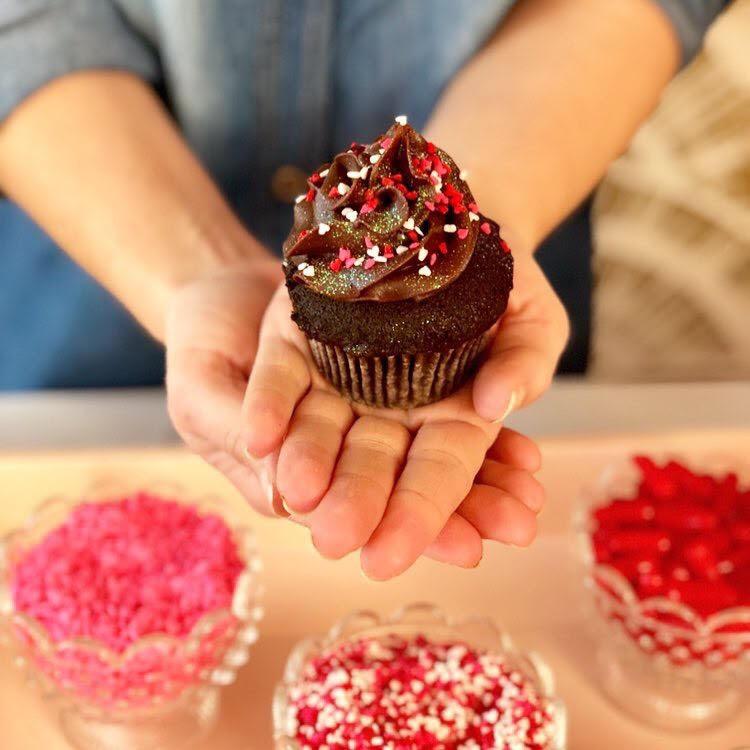 valentines cupcakes.jpg