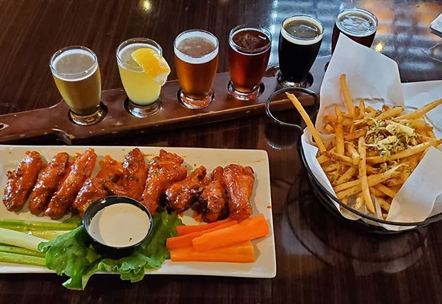 I could go for the wings right NOW! But I'll wait for happy hour with Canadians on Wed 4th! Get your tickets now! CanadiansInOC.com! #canadiansinoc #jtschmids #canadianhappyhour #happyhour #getinmybelly #networking #canadianexpats