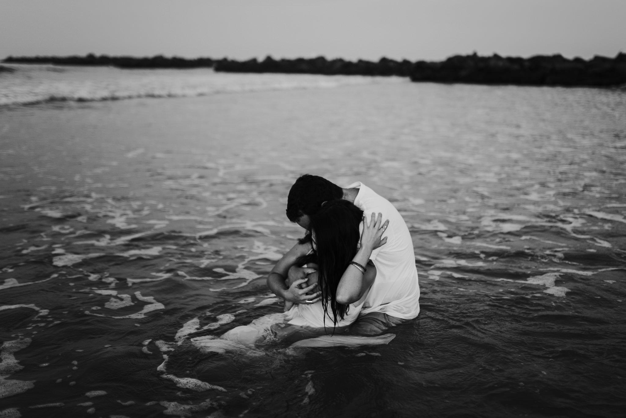 twyla jones photography - treasure coast florida - romantic anniversary session at the beach--18.jpg