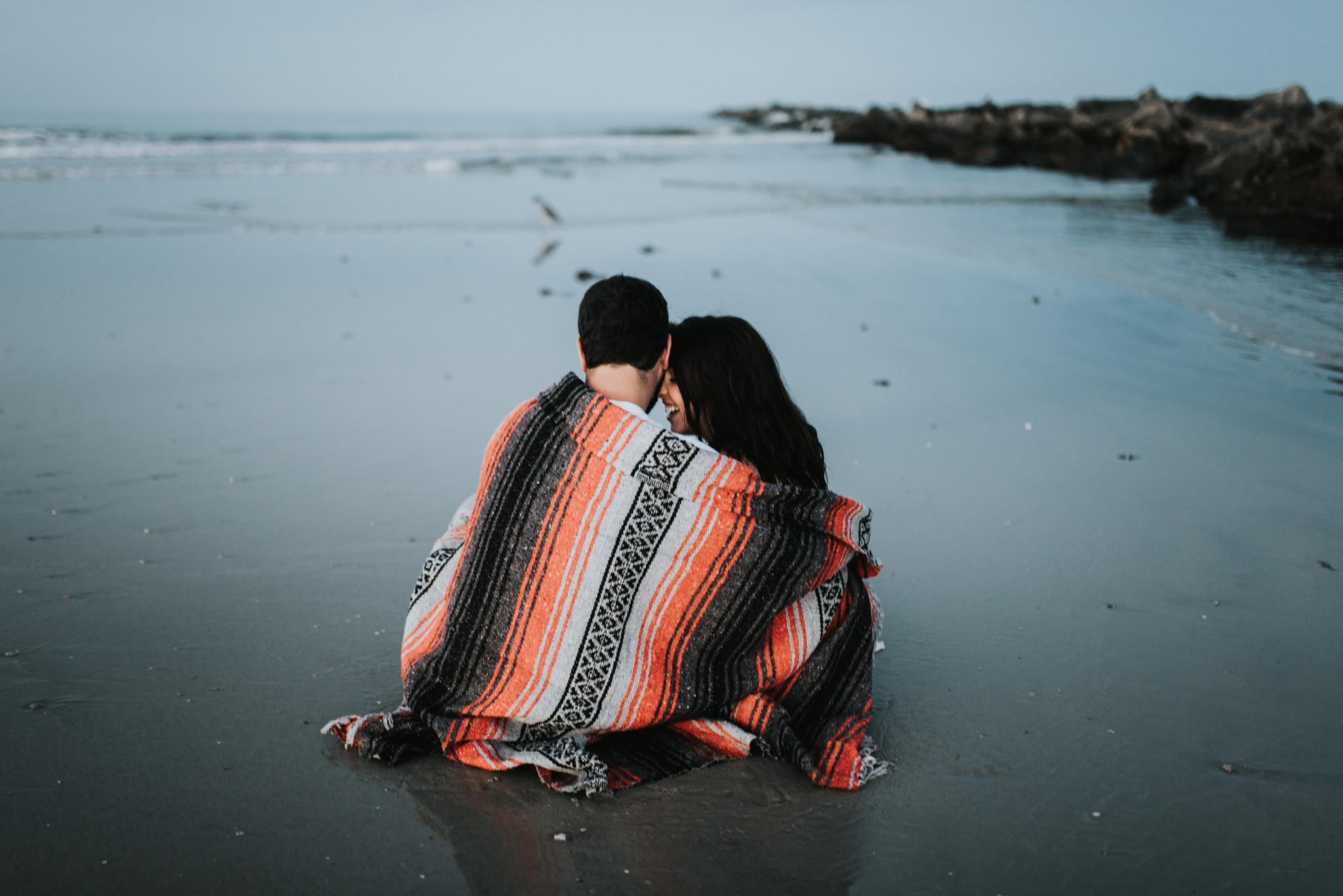 twyla jones photography - treasure coast florida - romantic anniversary session at the beach--25.jpg