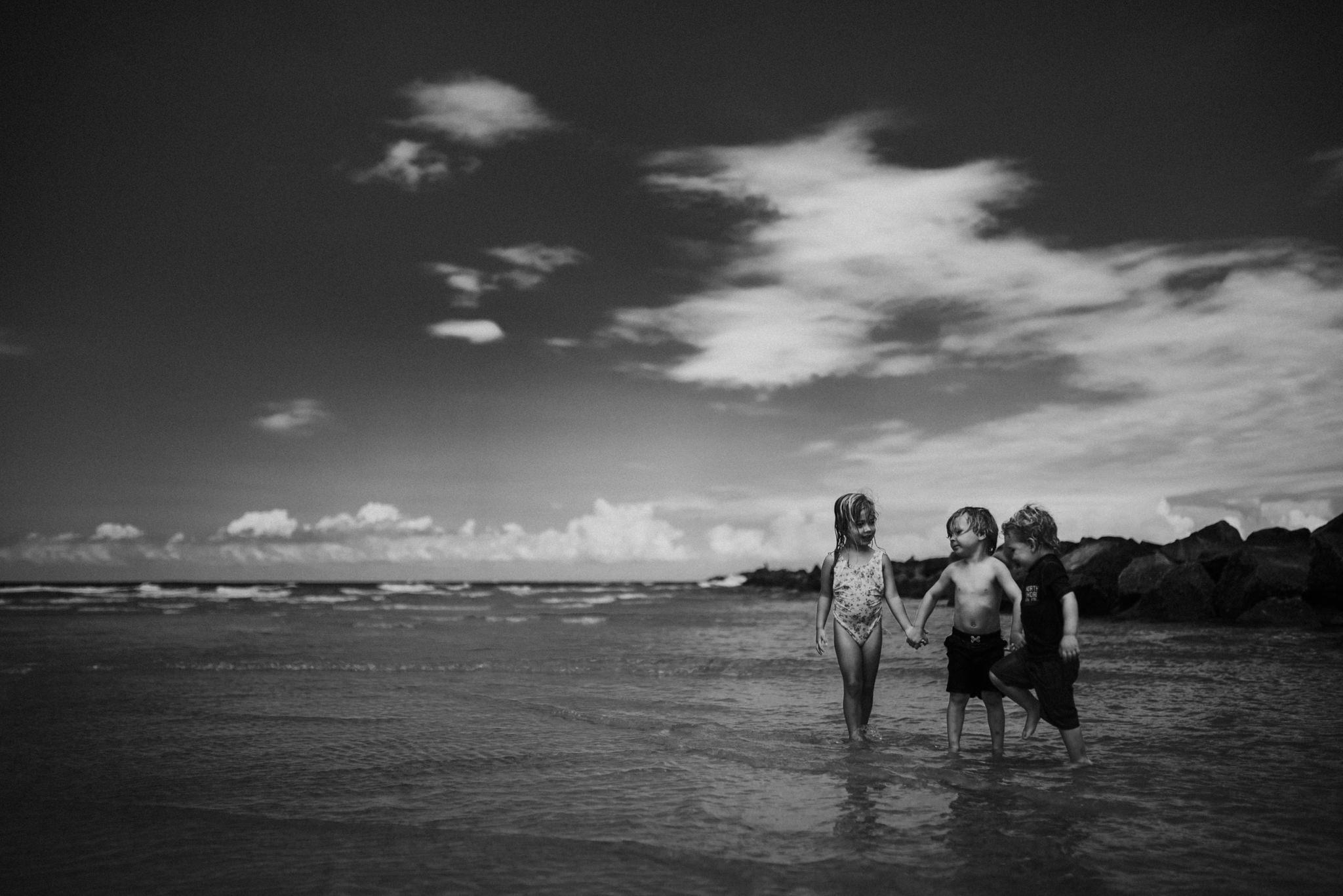 twyla jones photography - kids plalying at the beach in florida-9093.jpg