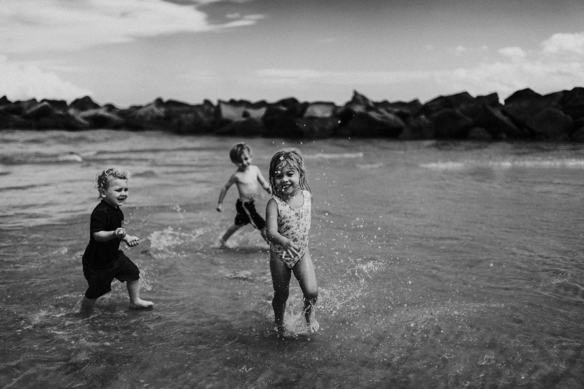 twyla jones photography - kids plalying at the beach in florida-9172.jpg