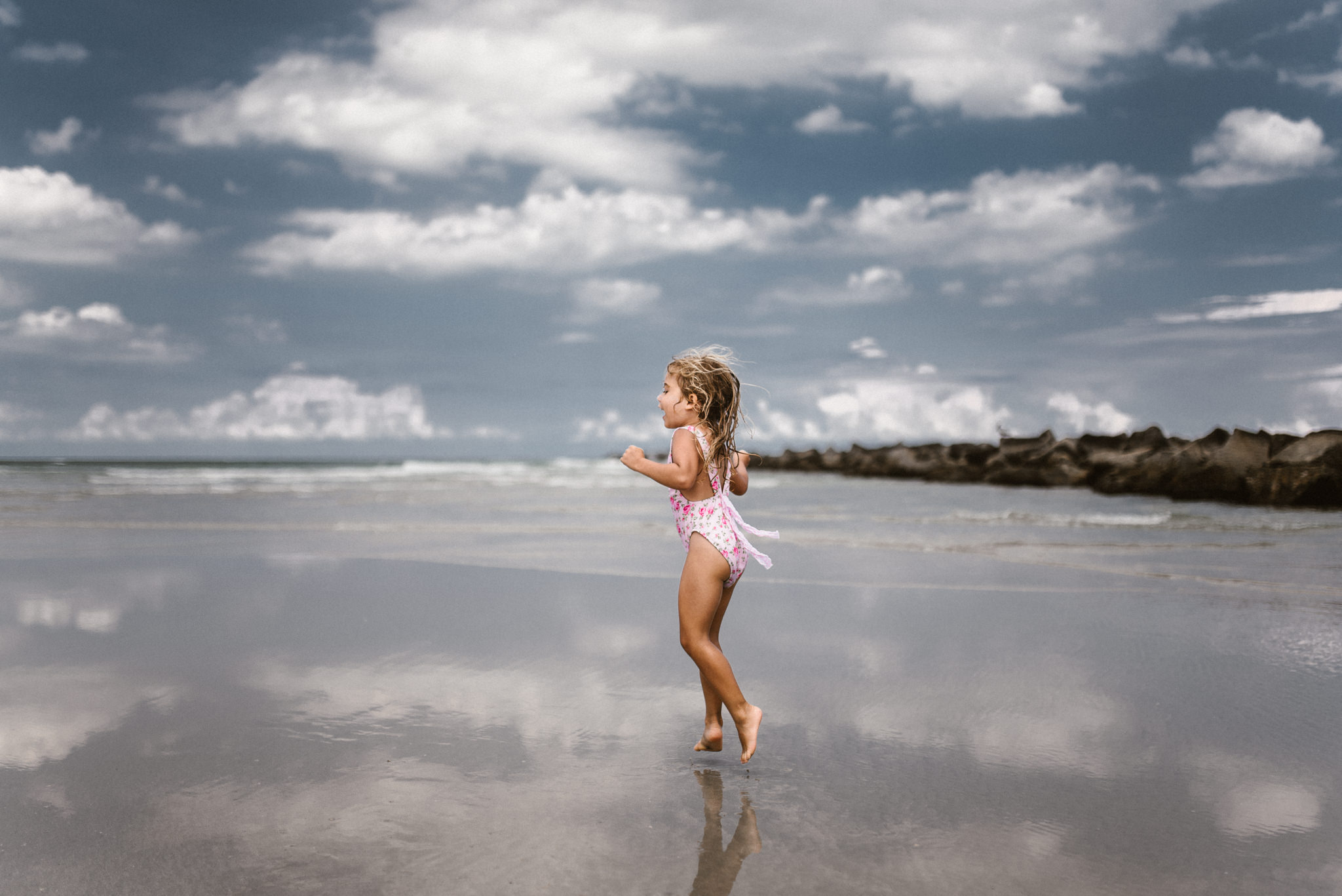 twyla jones photography - kids plalying at the beach in florida-9582.jpg