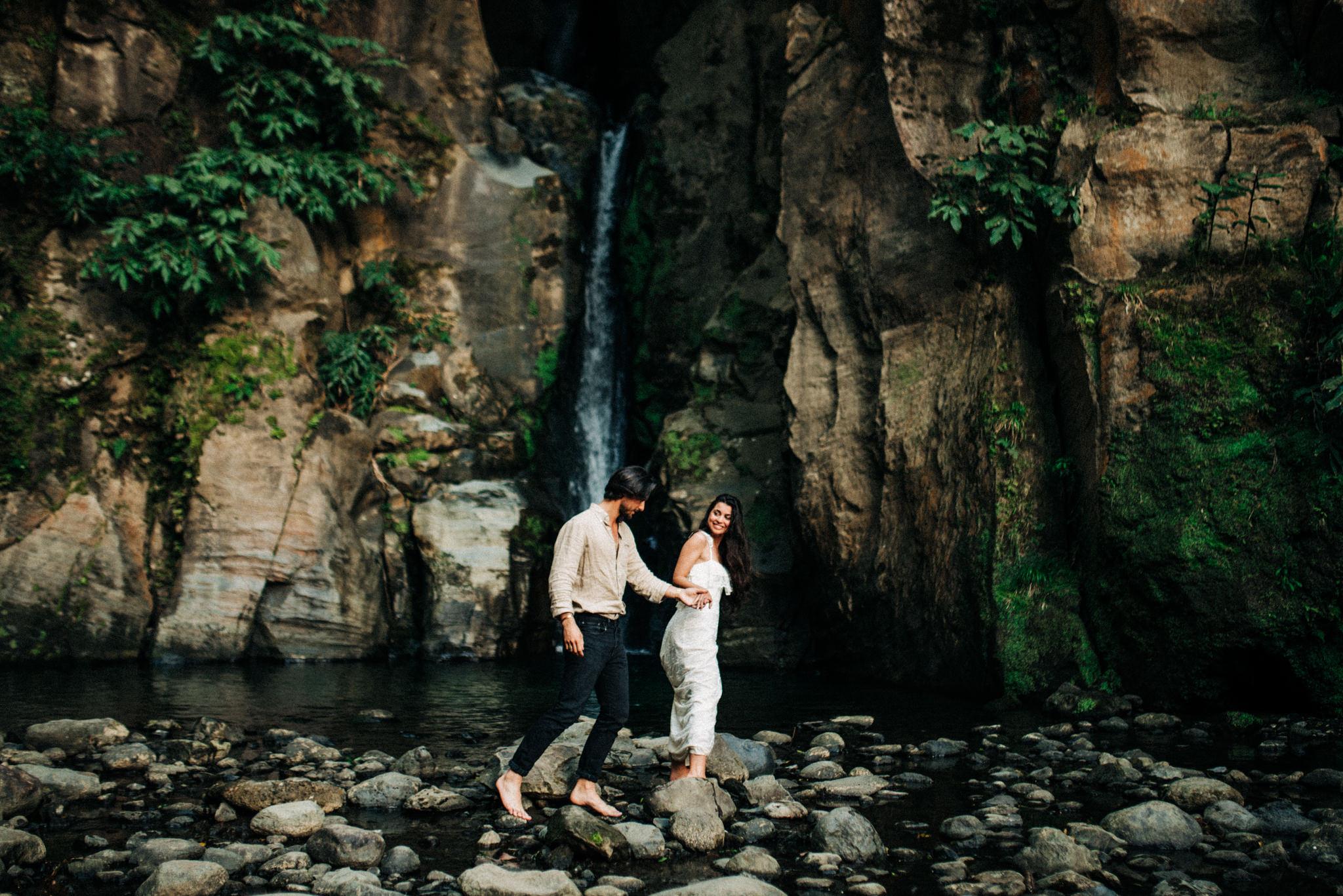 twyla jones photography - portugal azores waterfall couples engagement elopement -25.jpg