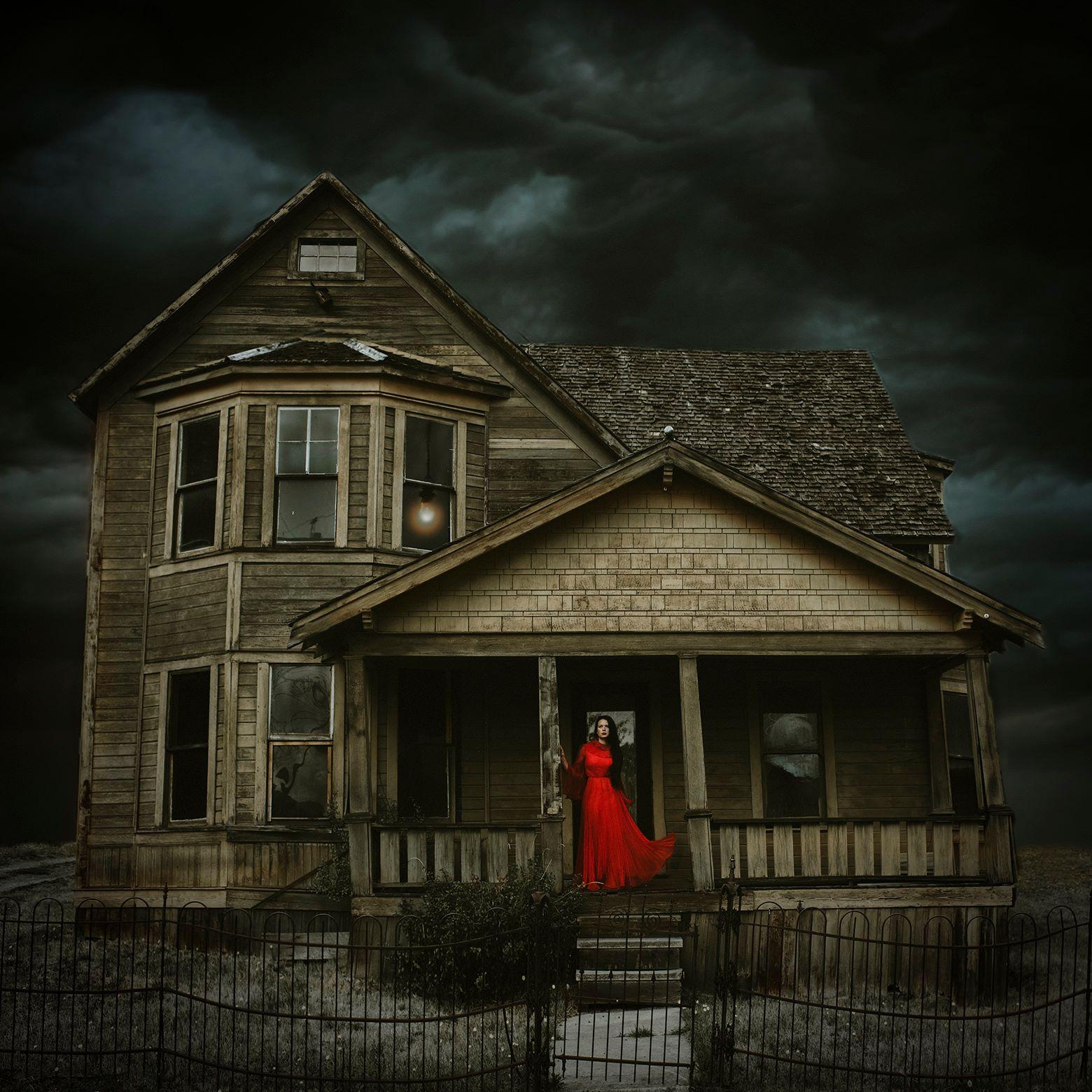 Dawndra Budd 3  - Emotional Storytelling with Twyla Jones - Spooky Halloween features.jpg