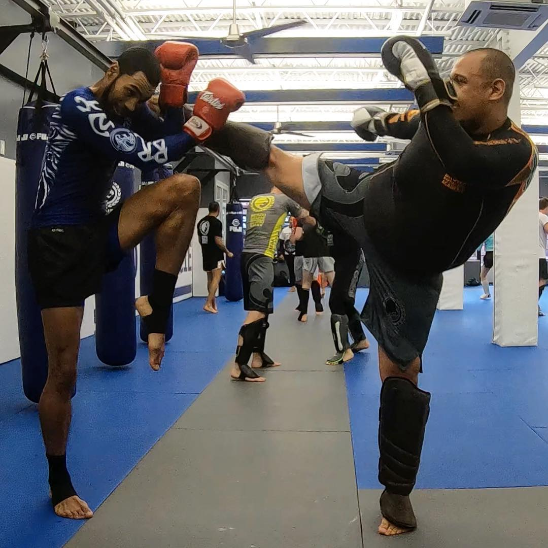 Learning to defense is a very important part of our Muay Thai class