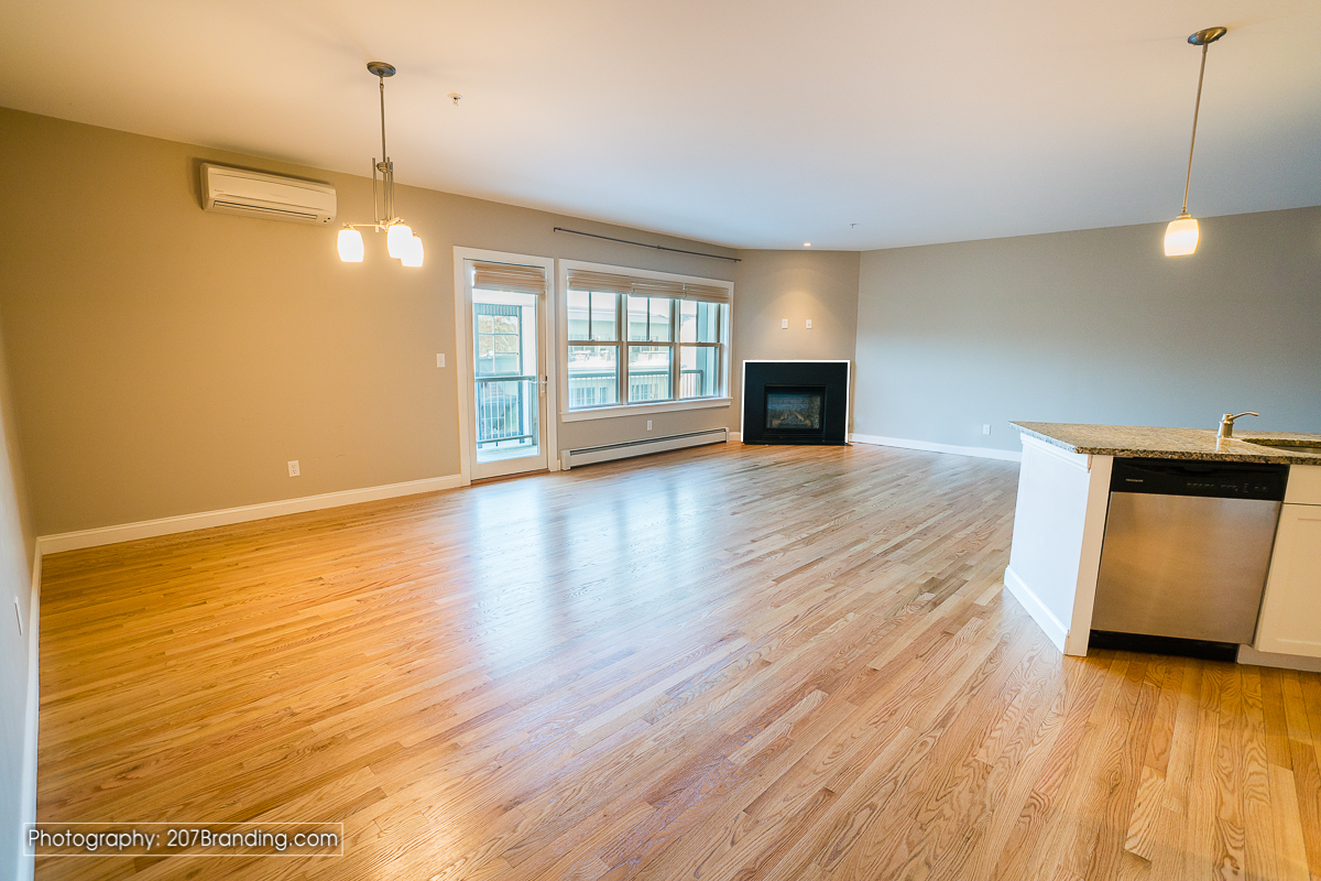 South-Portland-Real-Estate-Photographer-01.jpg