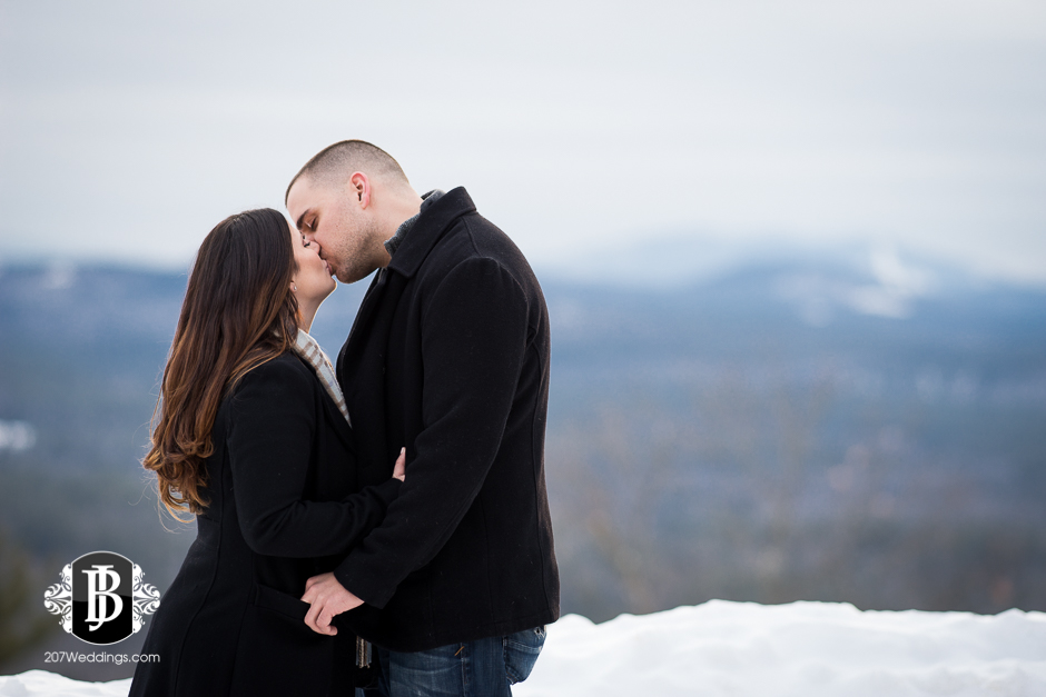 engagement-photos-granite-ridge-maine-1