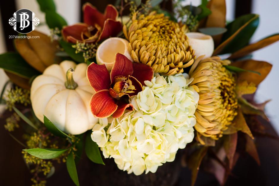 harmons-bartons-fall-arrangements-portland-maine-wedding-photographer-1.jpg