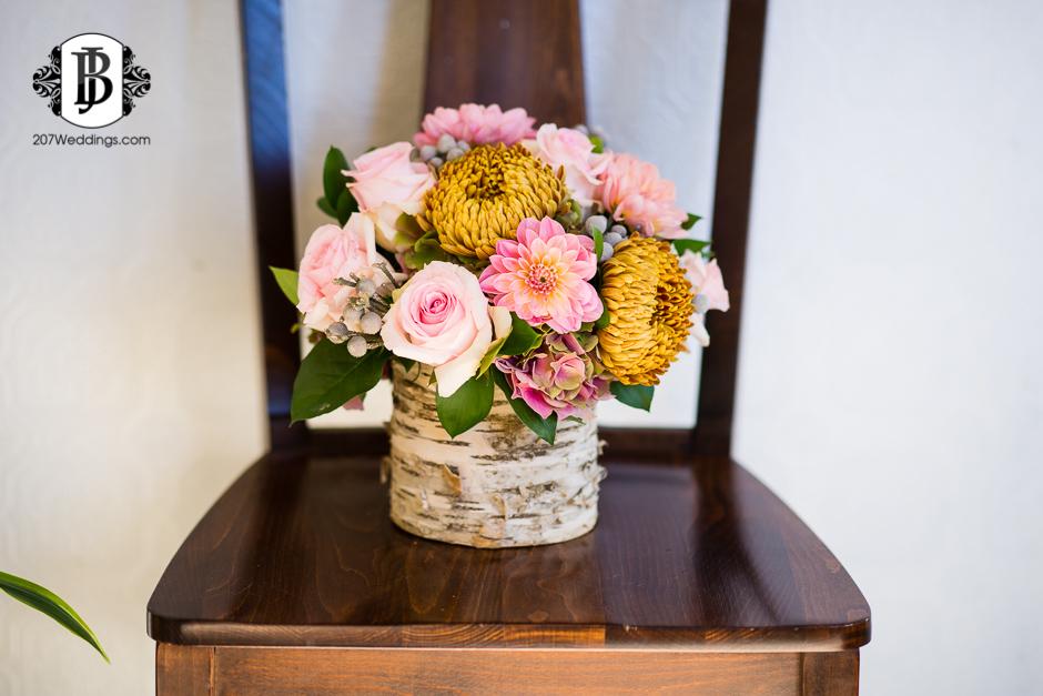 harmons-bartons-fall-arrangements-portland-maine-wedding-photographer-17.jpg