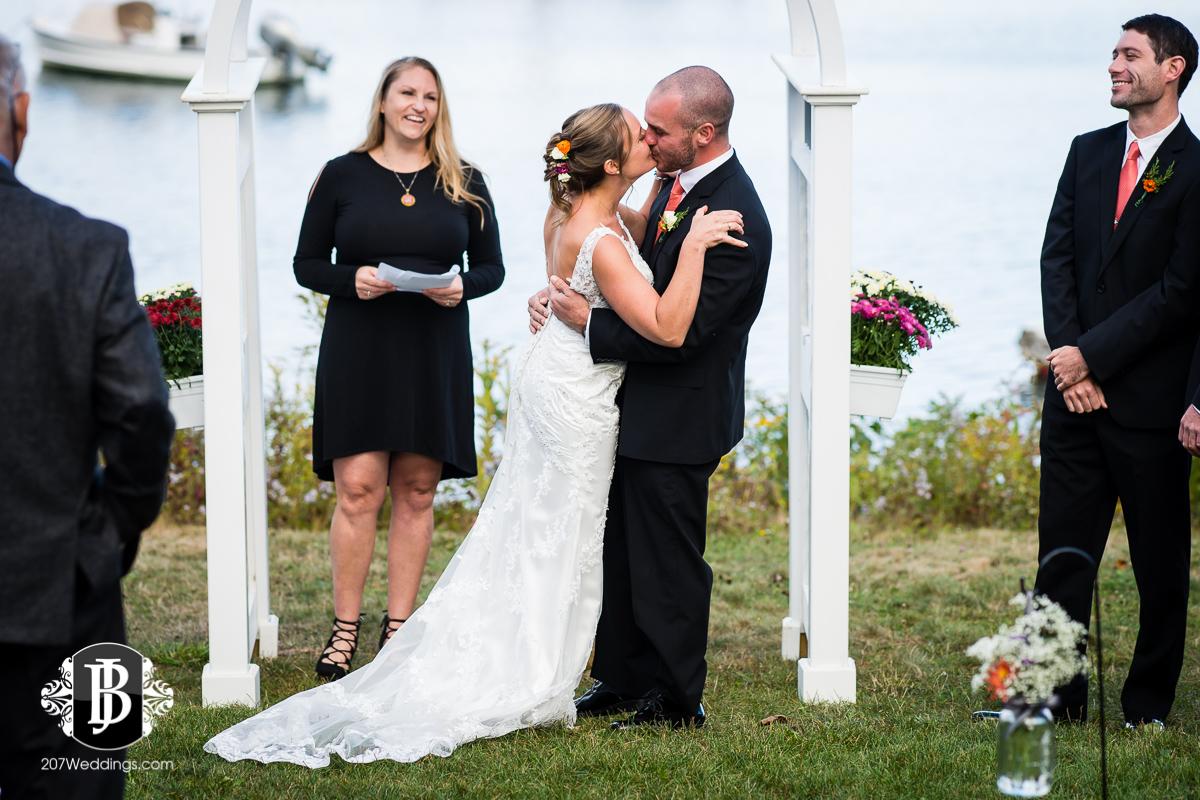 kyle-emily-boothbay-harbor-wedding-photographer-12.jpg