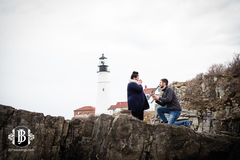 surprise-proposal-photos-portland-maine-jordan-chelsie-1.jpg