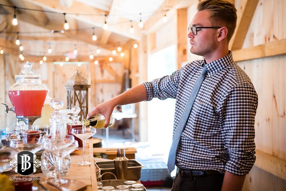 barn-at-the-kennebunks-wedding-photographers-maine17.jpg
