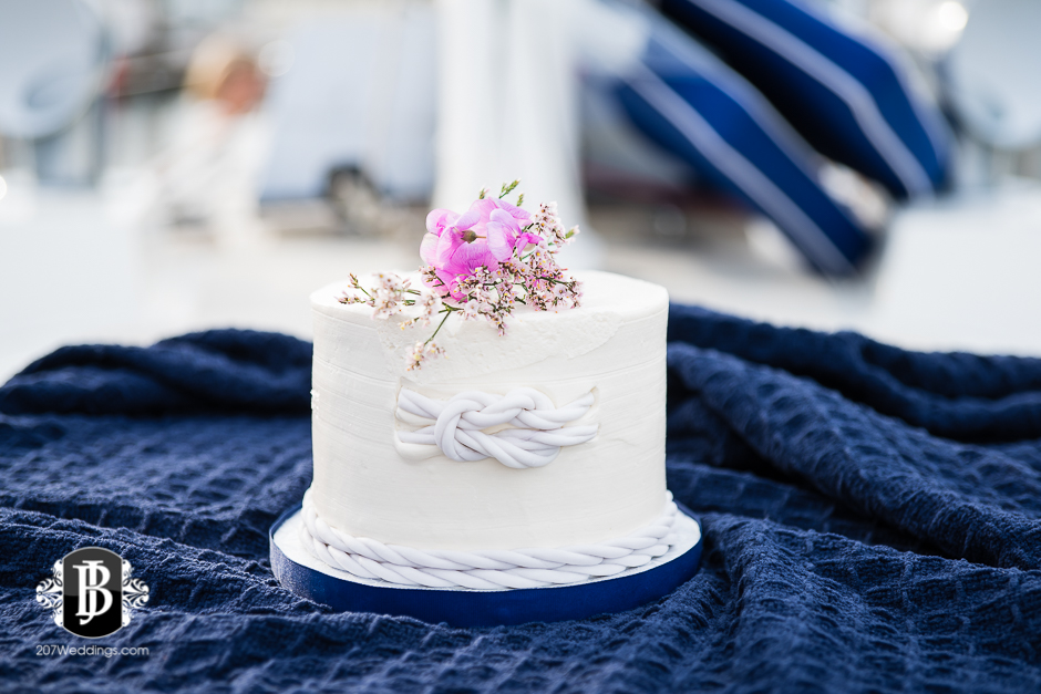 portland-maine-elopement-photographers-portland-calendar-island-sailing-co-5.jpg