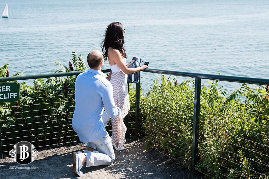 portland-headlight-maine-proposal-photographers-rose-leif-1.jpg