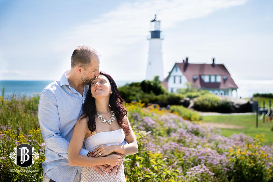 portland-headlight-maine-proposal-photographers-rose-leif-7.jpg