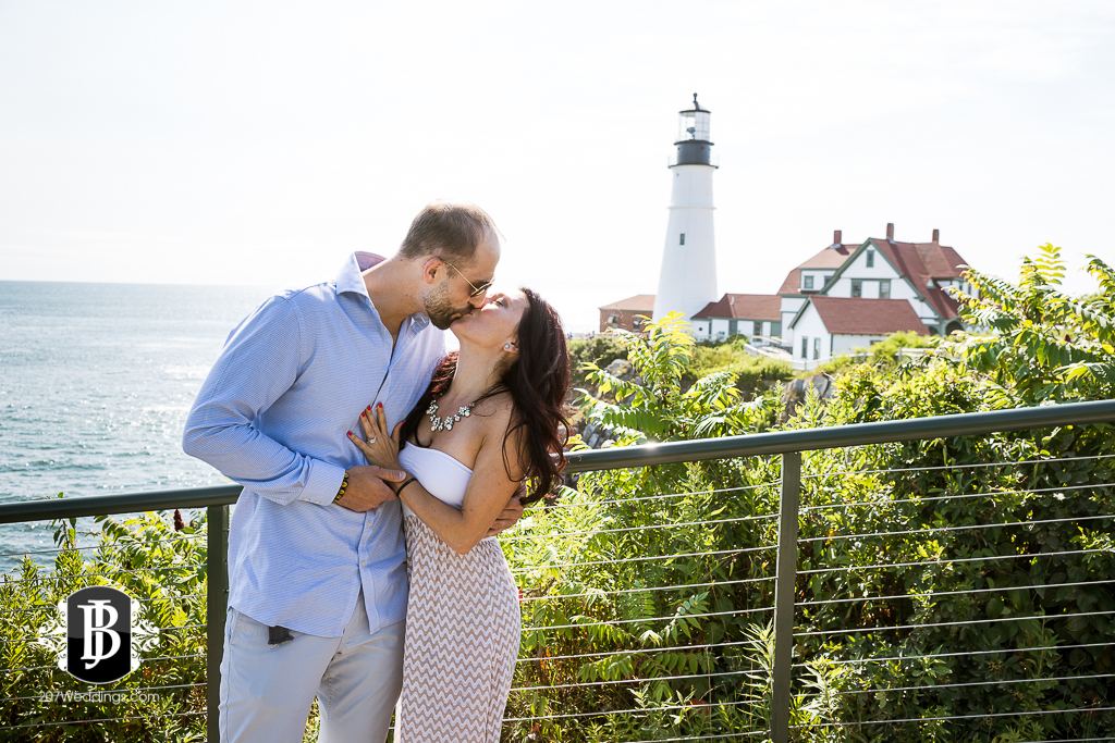 portland-headlight-maine-proposal-photographers-rose-leif-4.jpg