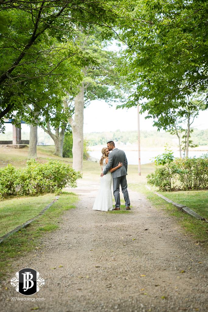 chesea-derek-southern-maine-wedding-photographers-15.jpg