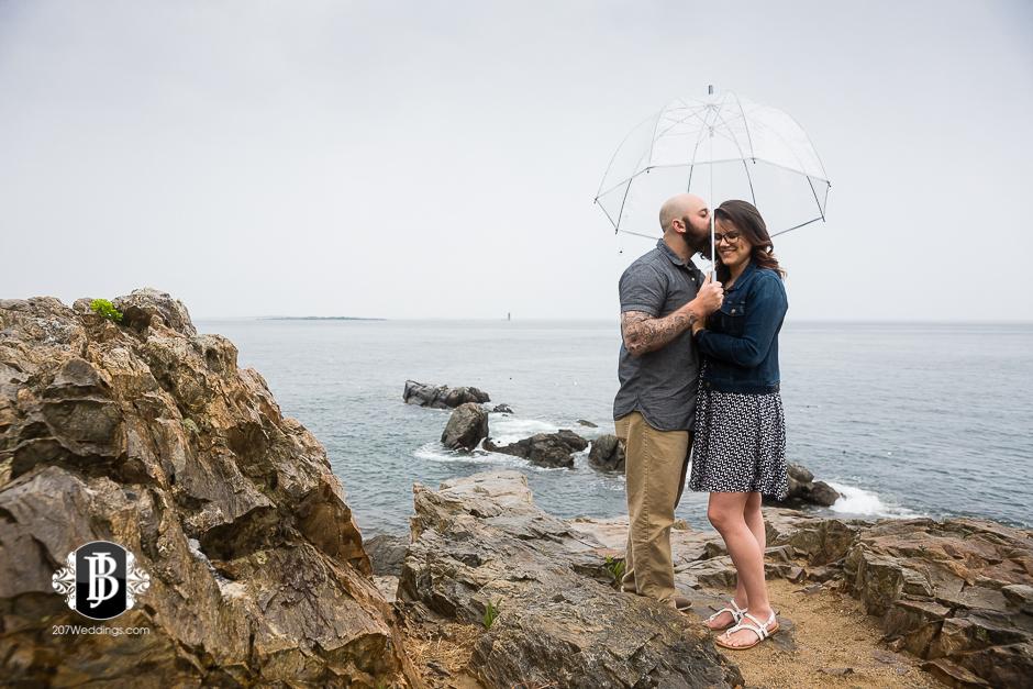 portland-head-light-engagement-session-cape-elizabeth-photographers-1.jpg