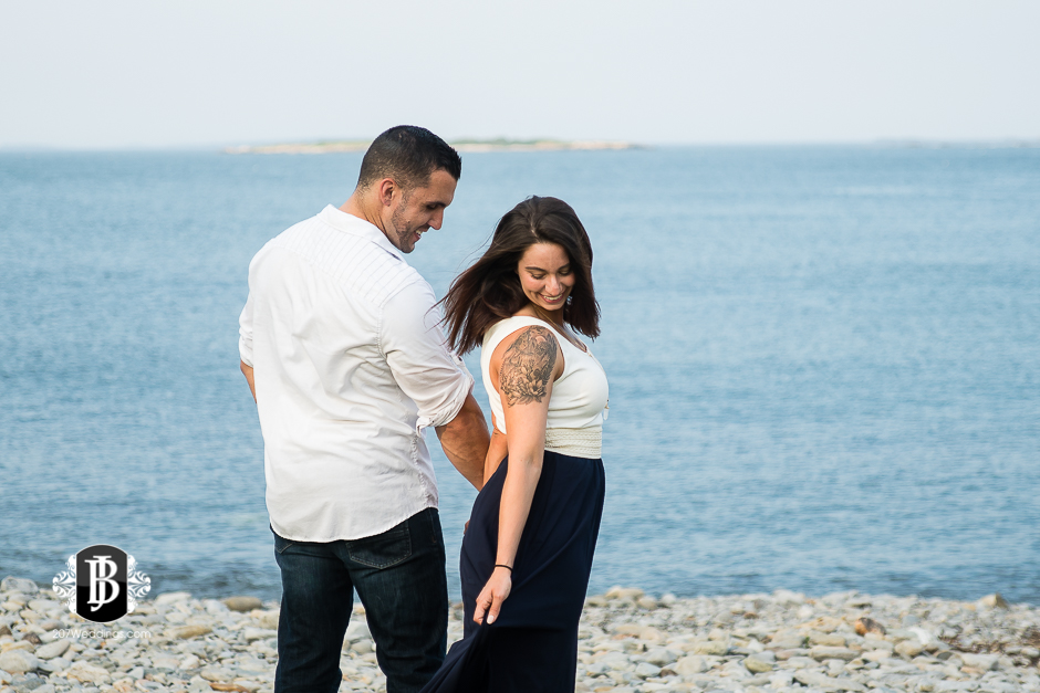 joe-toni-ft-williams-park-cape-elizabeth-engagement-photographer-2.jpg