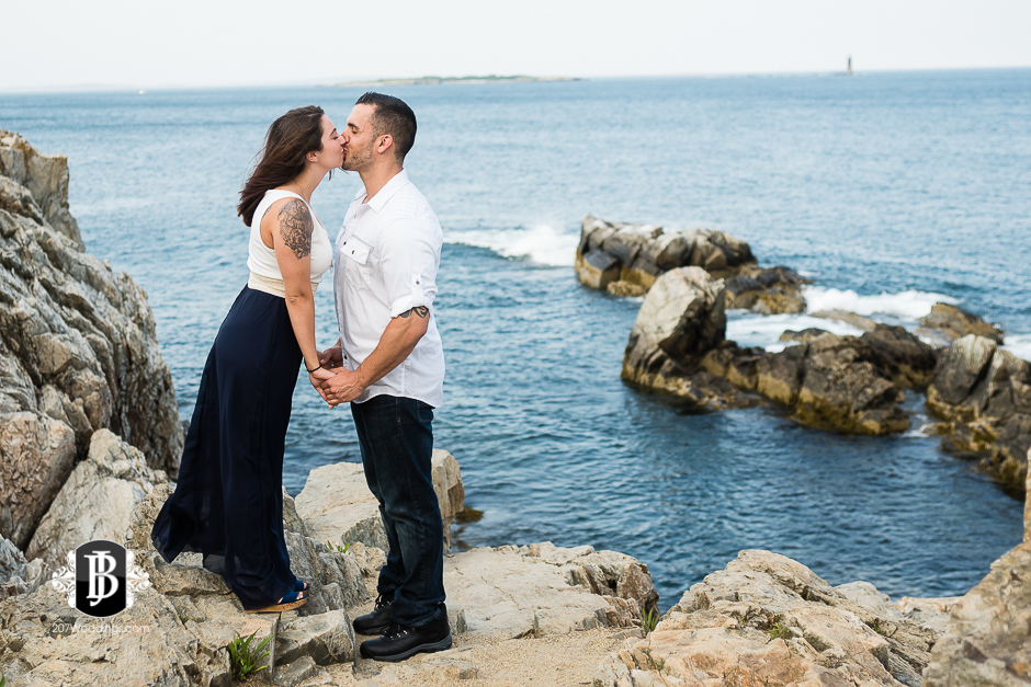 joe-toni-ft-williams-park-cape-elizabeth-engagement-photographer-1.jpg