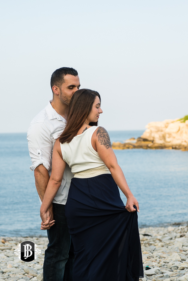 joe-toni-ft-williams-park-cape-elizabeth-engagement-photographer-3.jpg