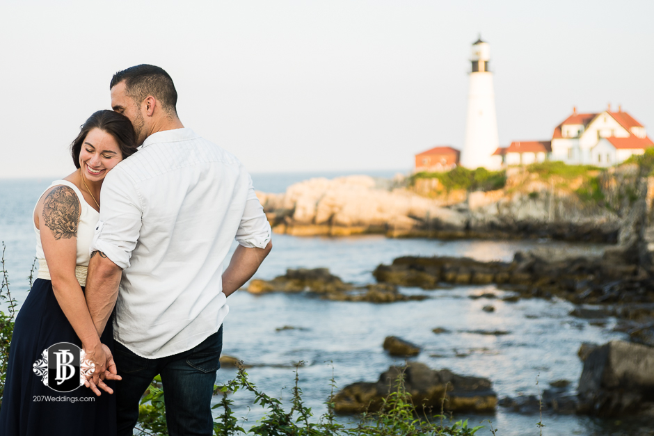 joe-toni-ft-williams-park-cape-elizabeth-engagement-photographer-4.jpg
