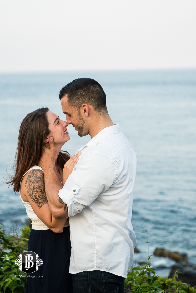 joe-toni-ft-williams-park-cape-elizabeth-engagement-photographer-6.jpg