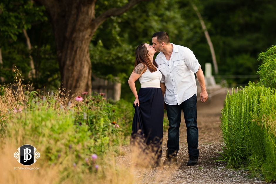 joe-toni-ft-williams-park-cape-elizabeth-engagement-photographer-8.jpg