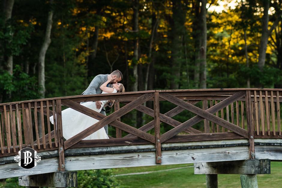 chuck-theresa-york-tennis-golf-club-wedding-photographers-near-york-maine-7.jpg
