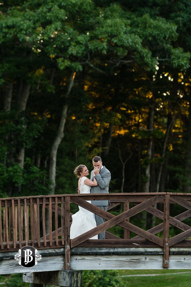 chuck-theresa-york-tennis-golf-club-wedding-photographers-near-york-maine-8.jpg