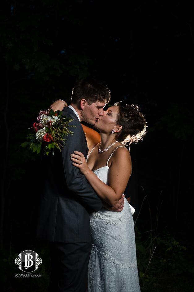 ellie-collin-barn-at-silver-oaks-estate-wedding-photographers-near-winthrop-maine-18.jpg