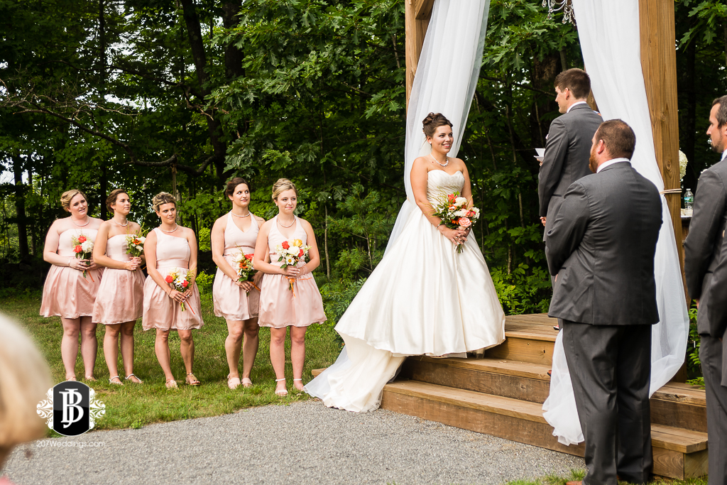 ellie-collin-barn-at-silver-oaks-estate-wedding-photographers-near-winthrop-maine-1.jpg