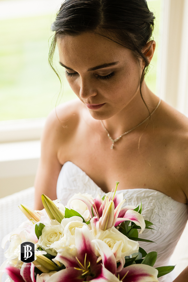 kristin-josh-flaherty-farm-wedding-photographers-near-scarborough-maine-2.jpg