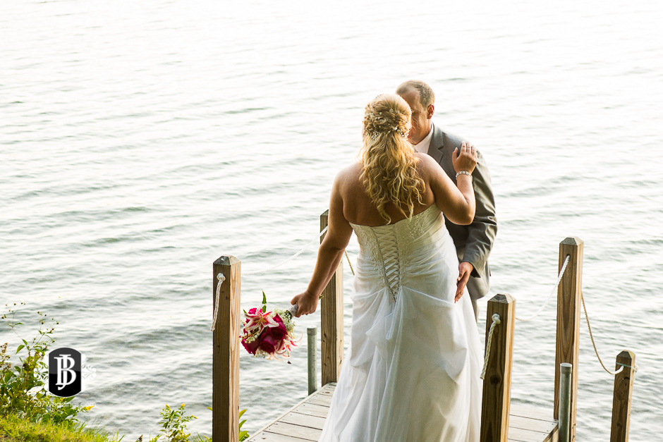 wedding-photographers-near-naples-maine-camp-skylemar-diana-bayard-11.jpg