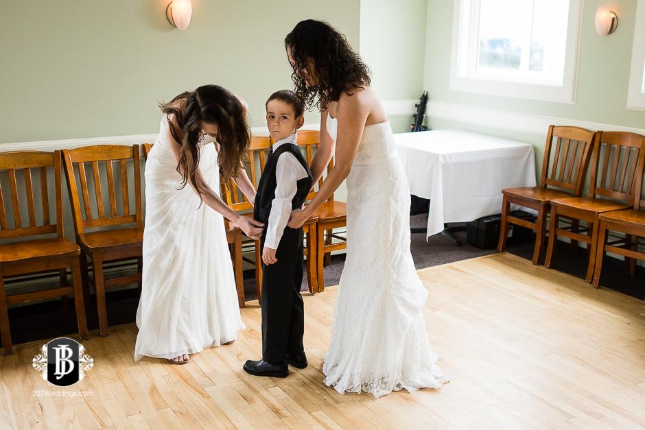 amanda-marjorie-wedding-photographers-south-portland-maine-6.jpg
