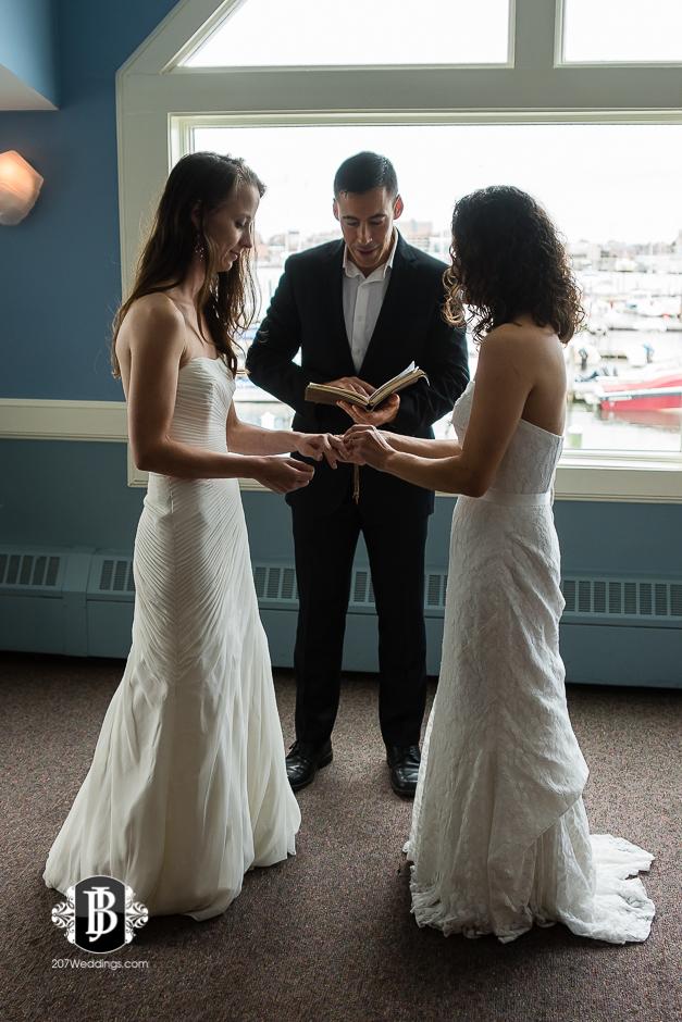 amanda-marjorie-wedding-photographers-south-portland-maine-9.jpg