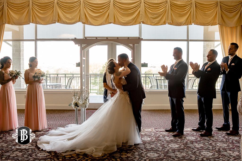 joe-toni-kirkbrae-country-club-new-england-wedding-photographers-4.jpg