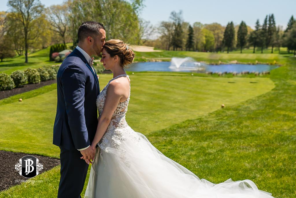 joe-toni-kirkbrae-country-club-new-england-wedding-photographers-6.jpg