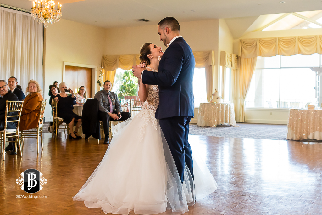 joe-toni-kirkbrae-country-club-new-england-wedding-photographers-10.jpg