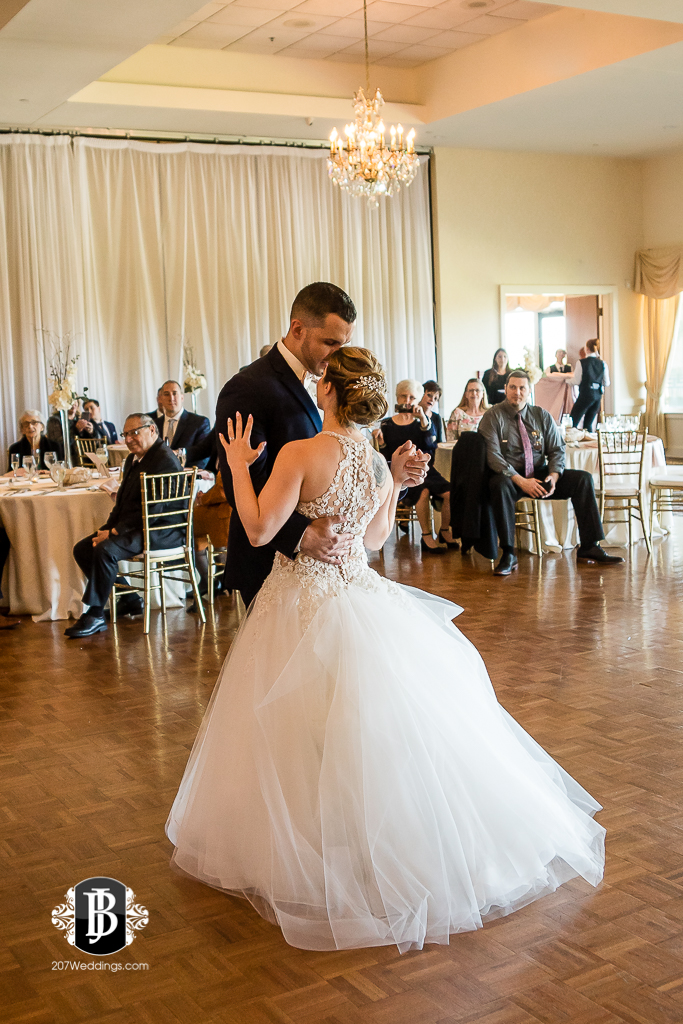 joe-toni-kirkbrae-country-club-new-england-wedding-photographers-9.jpg