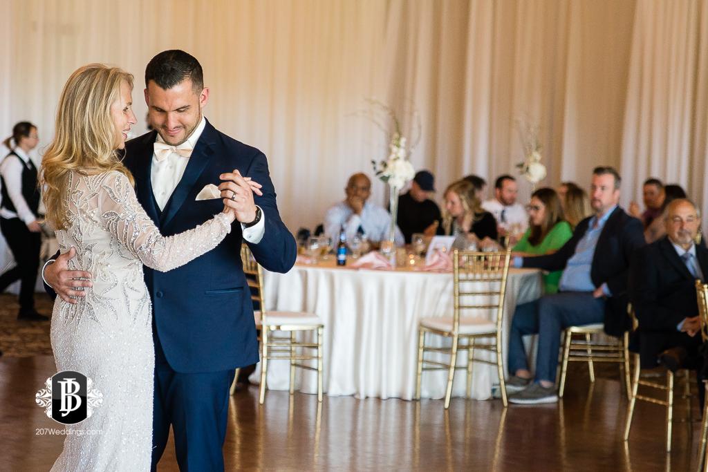 joe-toni-kirkbrae-country-club-new-england-wedding-photographers-15.jpg