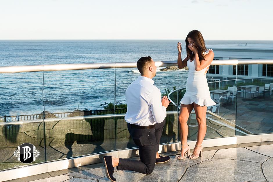 neil-tayla-surprise-proposal-cliff-house-photographers-near-ogunquit-maine-1.jpg