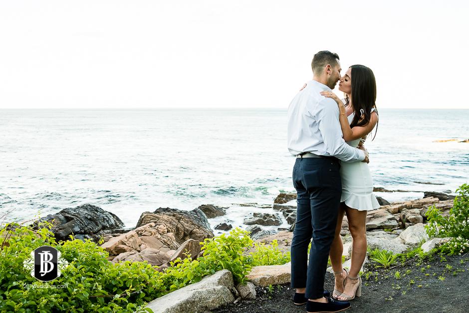neil-tayla-surprise-proposal-cliff-house-photographers-near-ogunquit-maine-6.jpg
