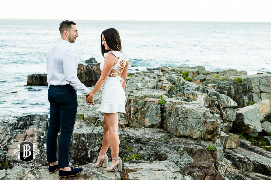 neil-tayla-surprise-proposal-cliff-house-photographers-near-ogunquit-maine-9.jpg